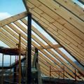 construcció de teulada de fusta