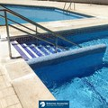 Construcción de escalera accesible para acceso a piscina