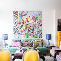 salón muy colorido