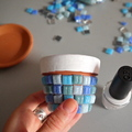 Diy maceta decorada con mosaico