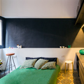 dormitorio con cabecero de obra