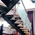 Escalera ACERO Y CRISTAL  Decoracion seda Japones