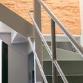 Escalera casa modernista