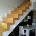 Escalera de lineas puras. Sencillamente perfecta.