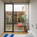 Habitación amplia e iluminada