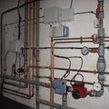 Instalación cuarto de calderas con regulación por centralita electrónica.