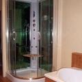 instalación de plato de ducha semicircular
