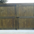 Instalación de portón de madera