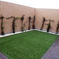 Jardín privado de los adosados de obra nueva