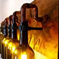 lámpara hecha con botellas