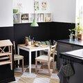 mesa cuadrada en cocina
