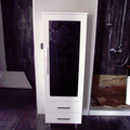 Mueble columna con crstal negro