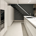 Cocina comedor y escaleras a planta superior