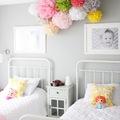 Pompones para habitación infantil