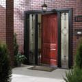 Puerta principal con marco bonito