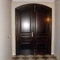 Puerta de entrada nogal