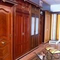 puertas entrada y armario