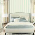 dormitorio a rayas verticales