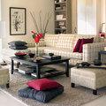 Salón con sofá a cuadros