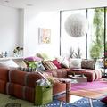 salón ecléctico colorido