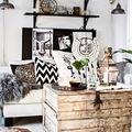 salón en tonos blanco, negro y gris