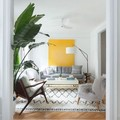 Salón pequeño y colorido