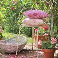 silla rosa para rincón jardín
