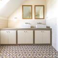 Tiana House - Baño con baldosa