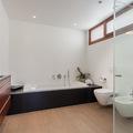 Un baño minimalista