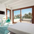 Una habitación junto al mar