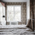 Dormitorio con papel pintado