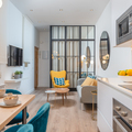 Vista salón y cocina integrada