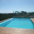 Vistas a Gibraltar desde piscina