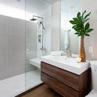 Baño con gran espejo