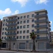 Edificio de 30 Viviendas Libres, Local y Garaje En Valencia