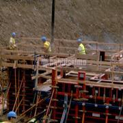 Construccion de cajon incado y muro de empuje