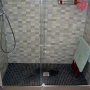 Reforma baño, con plato de ducha de obra