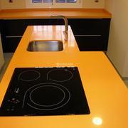 Cocina - Comedor con lavadora y secadora ocultas
