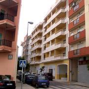 Direccion de 51 viviendas, locales y Garajes