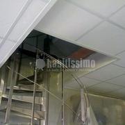 Falso techo desmontable a dos alturas
