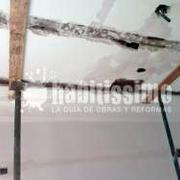 Realización de refuerzos estructurales en forjado dañado