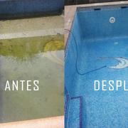 Restauración y limpieza de piscina con pérdida de agua