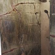 Aplacado de paredes de baño en Mármol