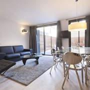 Interiores y exteriores ·  GIR80 Black · Reformas de apartamentos