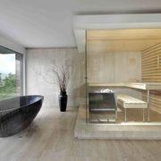 Bañera en ventanal