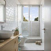 baño con azulejos tipo metro de Egue y Seta
