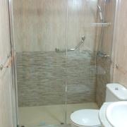 Cambio de bañera por plato de ducha efecto pizarra