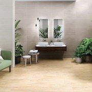 Baño con muchas plantas