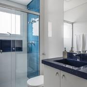 Baño en azul