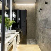 Baño estilo moderno y lavabo doble